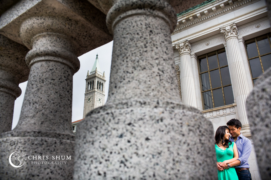 san-francisco-wedding-photographer-Engagement-session-UC-Berkeley-with-Campanile-in-view
