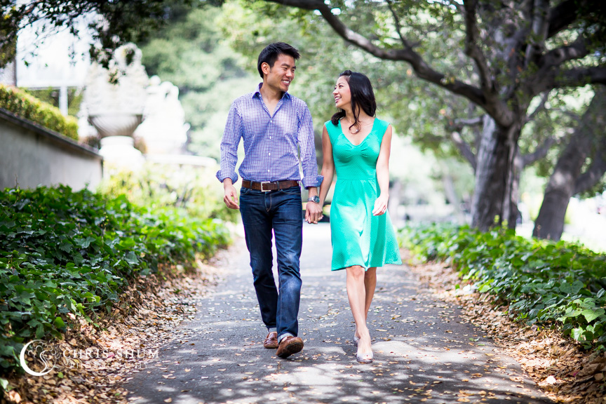 san-francisco-wedding-photographer-Engagement-session-UC-Berkeley-strolling