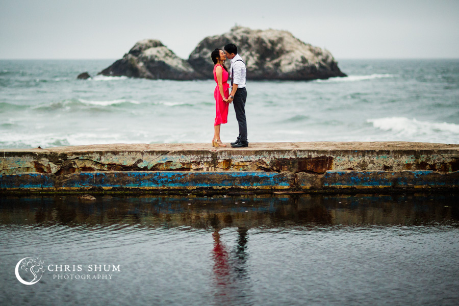 San_Francisco_wedding_photographer_Engagement_session_Palace_of_Fine_Arts_Sutro_bath_18