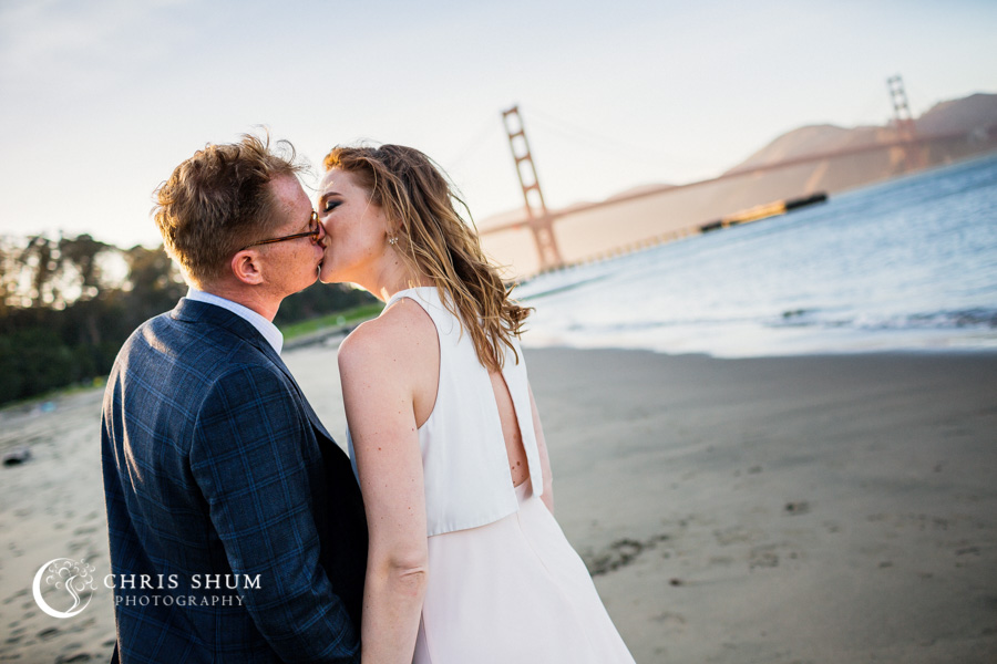 San_Francisco_wedding_photographer_Engagement_session_Palace_of_Fine_Arts_Crissy_Field_09