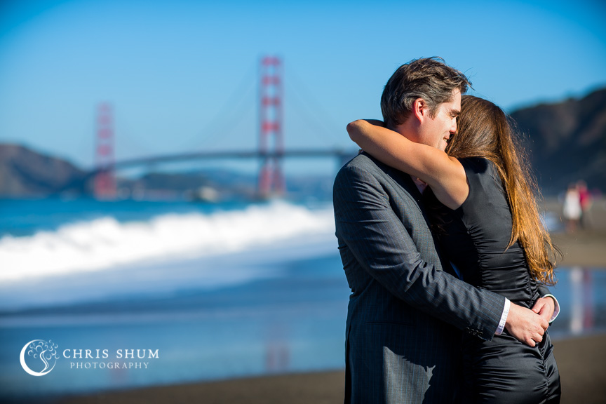 San-Francisco-Wedding-Photographer-Baker-Beach-Golden-Gate-Bridge-proposal-engagement-session-04
