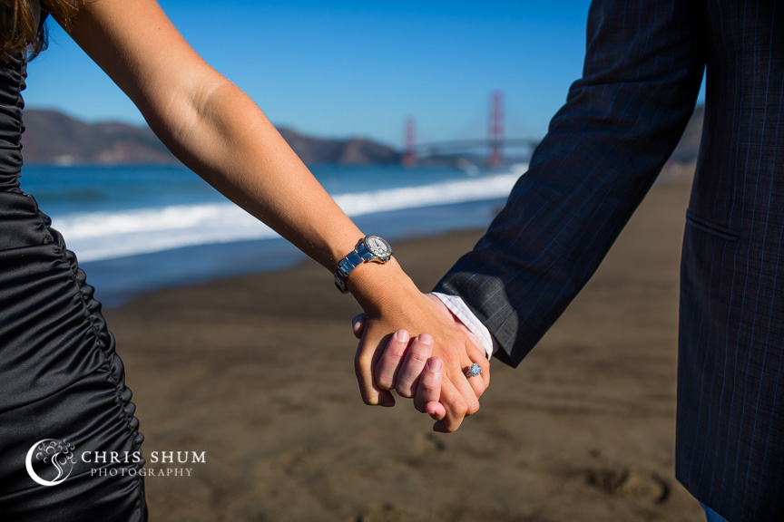 San-Francisco-Wedding-Photographer-Baker-Beach-Golden-Gate-Bridge-proposal-engagement-session-08