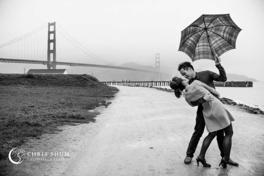 San-Francisco-Wedding-Photographer-Crissy-Field-Torpedo-Wharf-Engagement-session-06