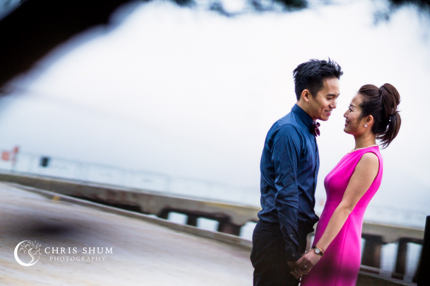 San-Francisco-Wedding-Photographer-Crissy-Field-Torpedo-Wharf-Engagement-session-12