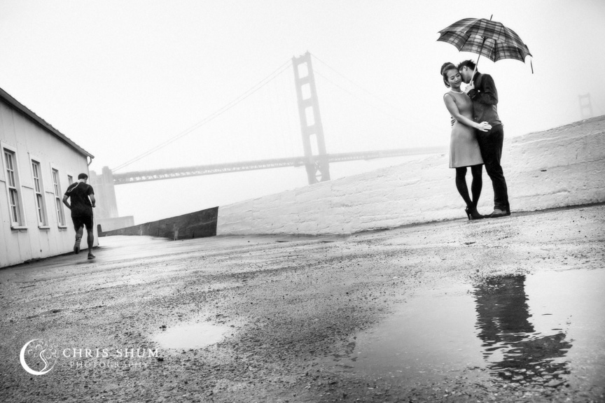 San-Francisco-Wedding-Photographer-Crissy-Field-Torpedo-Wharf-Engagement-session-13