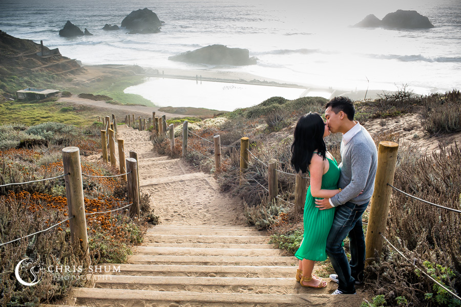 San-Francisco-wedding-photographer-Sutro-Bath-ruins-engagement-session-06