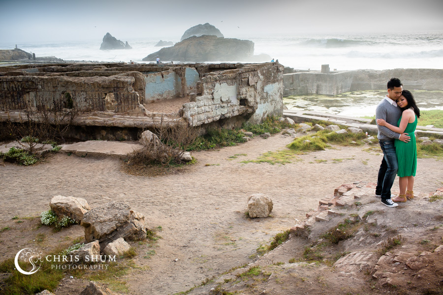 San-Francisco-wedding-photographer-Sutro-Bath-ruins-engagement-session-08