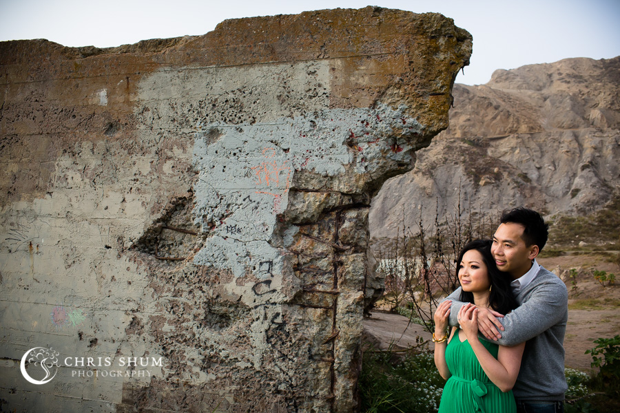 San-Francisco-wedding-photographer-Sutro-Bath-ruins-engagement-session-09