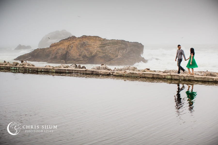 San-Francisco-wedding-photographer-Sutro-Bath-ruins-engagement-session-11