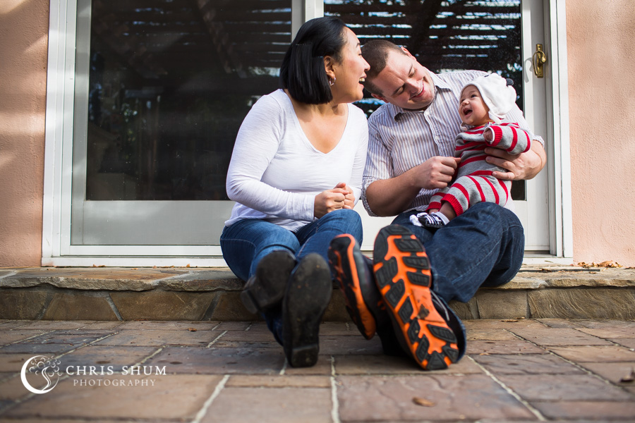 San_Francisco_San_Jose_kidsfamily_photographer_our_house_fun_time_with_our_three_month_old_baby_family_session_08