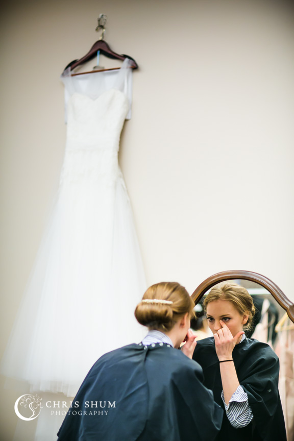Destination-wedding-St-Pete-Florida-bride-getting-ready