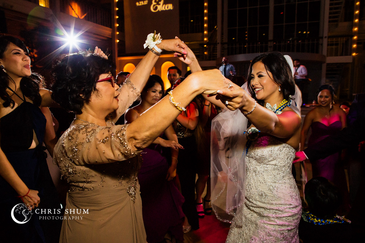 San_Francisco_wedding_photographer_Hilton_Union_Square_San_Francisco_Design_Center_SFDC_Wedding_68