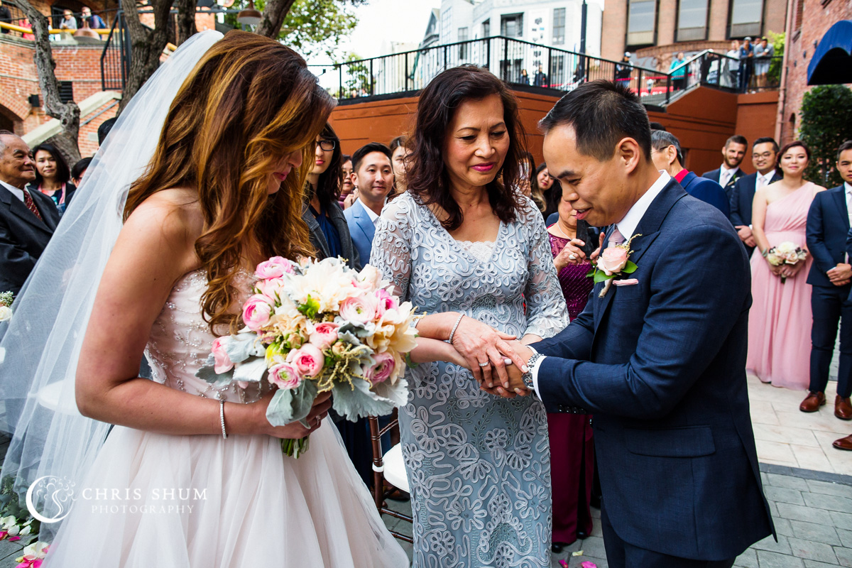 San_Francisco_wedding_photographer_WeddingInTheCity_Wedding_50