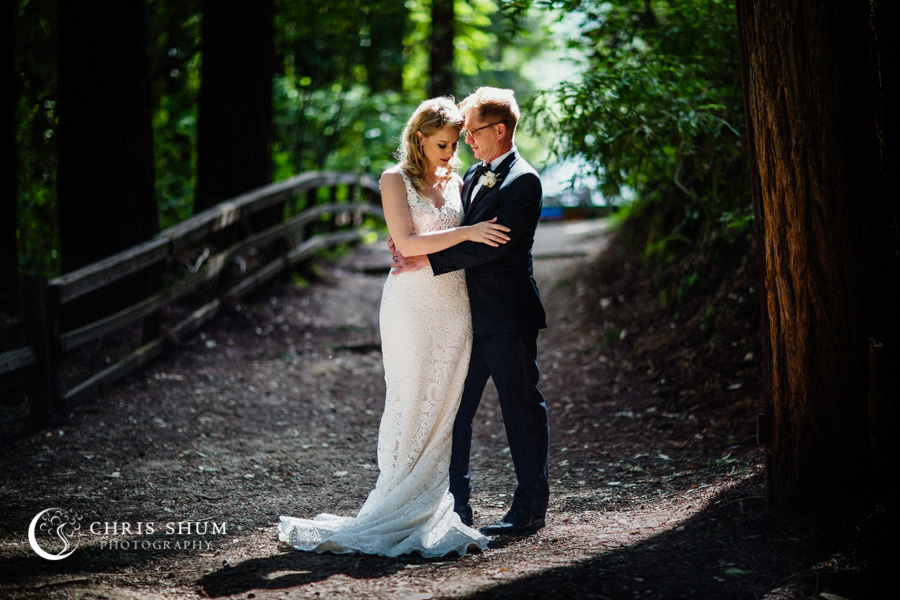 San_Francisco_wedding_photographer_Santa_Cruz_Dream_Inn_Boulder_Creek_YMCA_Camp_Campbell_Redwood_Outdoor_Wedding_13